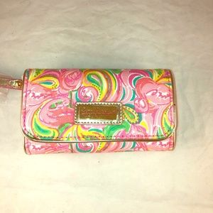 """Lilly Pulitzer """"It's a Keeper"""" Phone Wristlet NWT"""